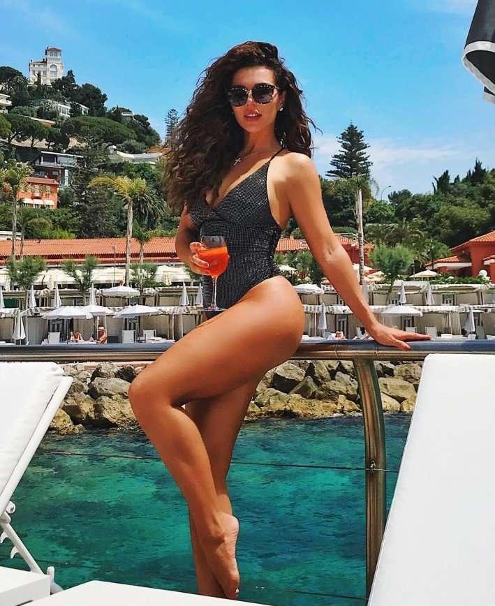 Я больше не могу быть без парня: Анна Седокова пожаловалась на отсутствие любимого мужчины