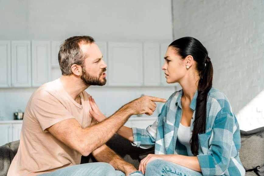 Инструкция по эксплуатации: как успокоить разгневанного супруга