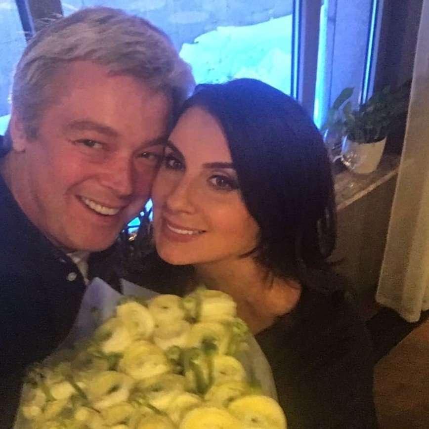 Счастливые и знаменитые: 15 крепких семейных пар российского шоу-бизнеса