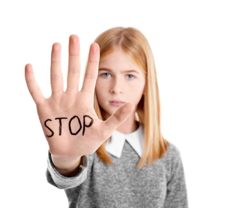 Старших надо уважать? 5 четких правил, как научить ребенка говорить взрослым