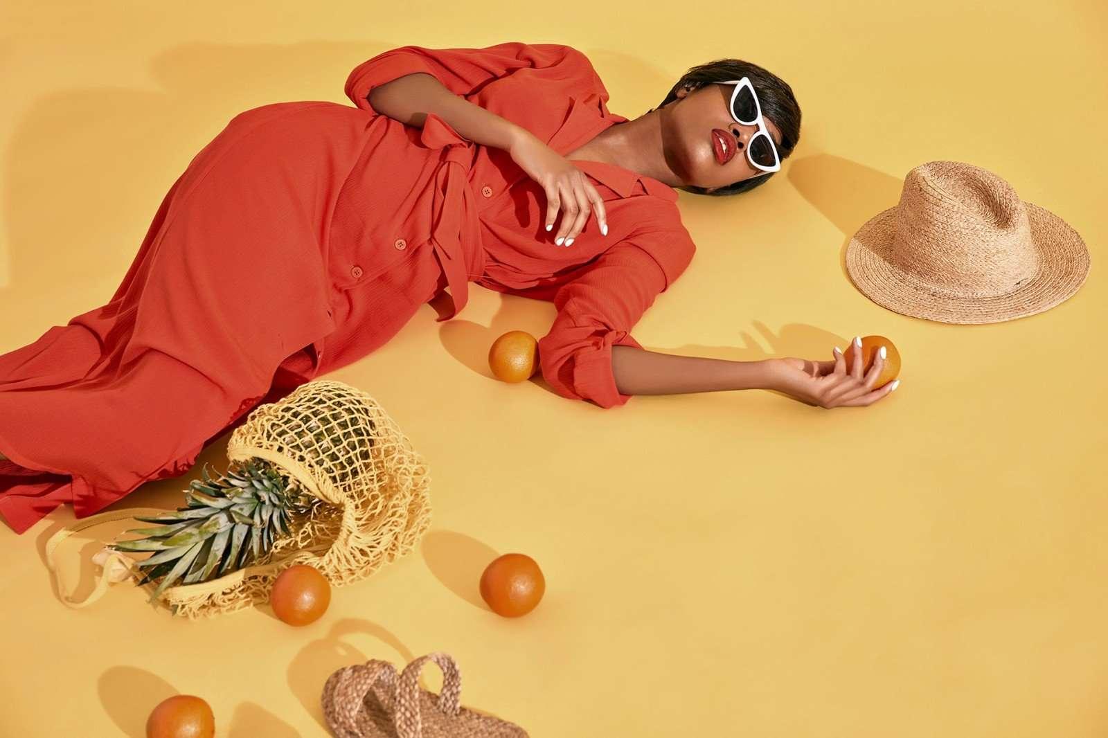 Сумка-авоська, детская присыпка, замороженная губка и другие хитрости для тех, кто хочет выглядеть идеально на пляже
